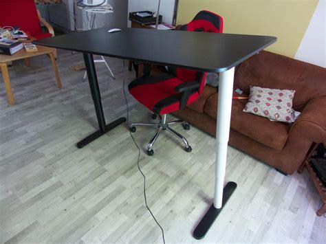 bureau debout achat d 39 un bureau assis debout bekant chez ikea de tournus