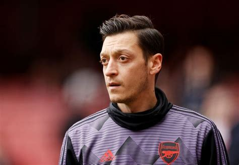 Mesut Ozil drops huge Fenerbahce transfer hint and ...