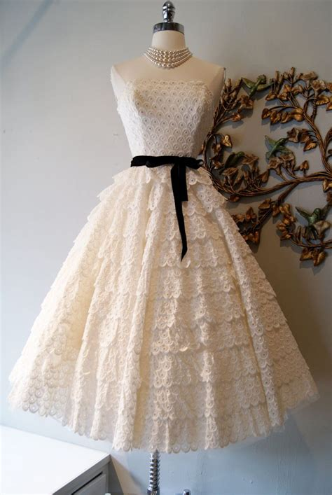 divine vintage bridal gowns for your something old onewed