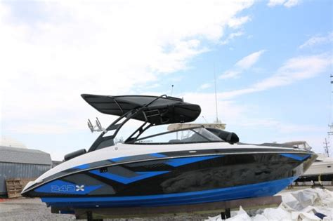 Yamaha Jet Boat 242x by 2016 Yamaha 242x E Series Wakeboard Edition Jet Boat