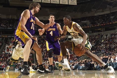 Los Angeles Lakers v Seattle SuperSonics   Nets Wire