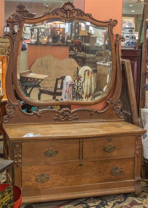 Tiger Oak Dresser Beveled Mirror by 17 Best Ideas About Oak Dresser On Oak Bedroom