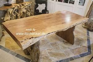 Tischplatte Mit Baumkante : tisch in baumstammoptik mit baumkante der tischonkel ~ Frokenaadalensverden.com Haus und Dekorationen