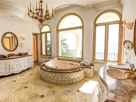 Famous Celebrity Inside Houses