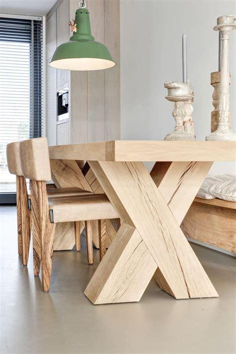 table bois massif d 233 corez vos int 233 rieurs avec une table rustique archzine fr