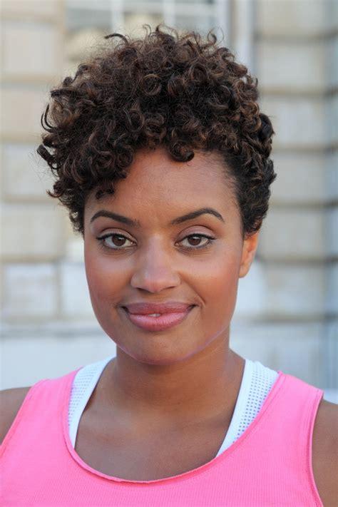short curly hairstyles  black women  easy stylish