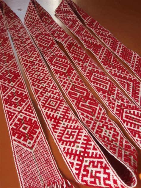 Lielvārdes josta   Tablet weaving, Inkle weaving, Inkle loom