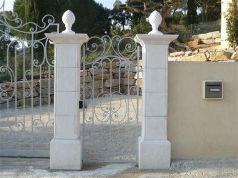 pilier de portail gordes blanc toulon var