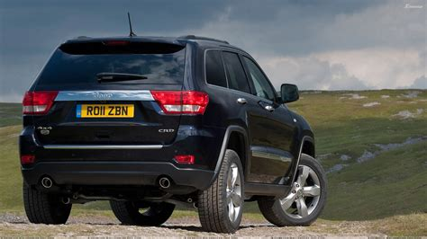 back of a jeep 2011 jeep grand cherokee back pose in black wallpaper