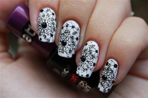 idee deco faux ongles 18 id 233 es diy pour la d 233 coration ongles noir et blanc