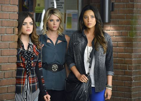 'Pretty Little Liars' renewed; spinoff show 'Ravenswood ...