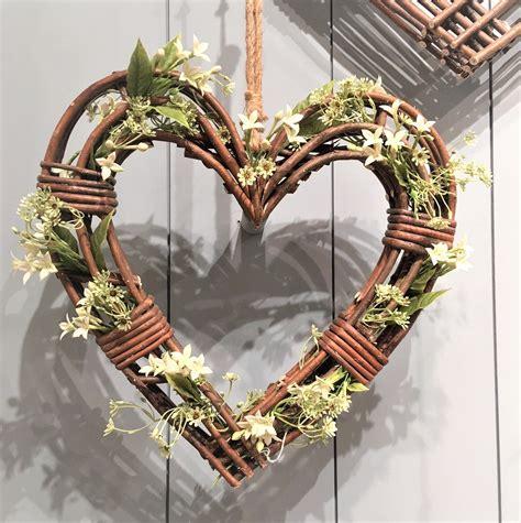 Gisela Graham Large Natural Wicker Heart Wreath Christmas