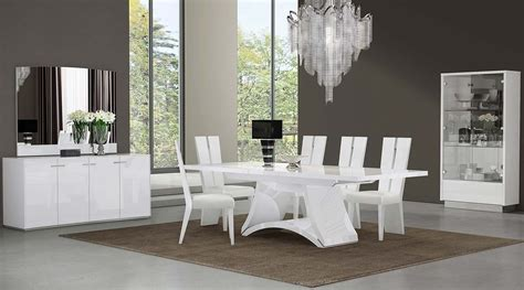 d313 modern dining room in white lacquer finish