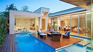 This Australian House Has A Pool With An Island, And