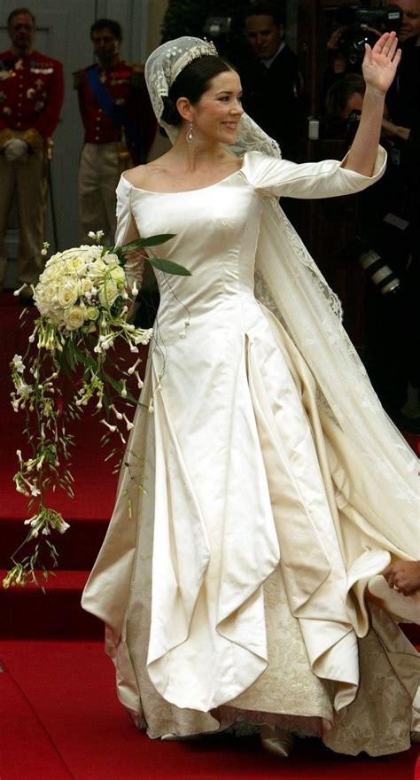 Pin on inglobalstyle brides