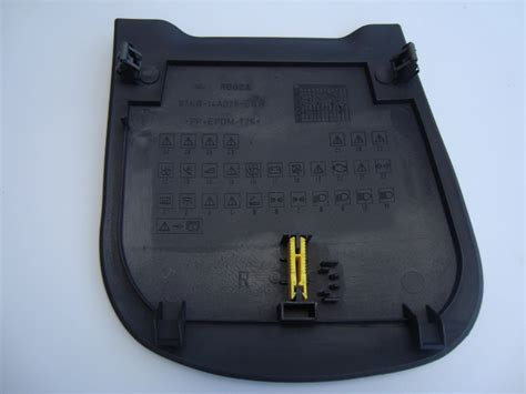 Ford Ka Black Plastic Fuse Box Cover With Fuse Removal Tool