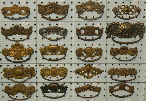 Tred Shed Pittsburg Hours by 100 Antique Drawer Bail Pulls For Decorating