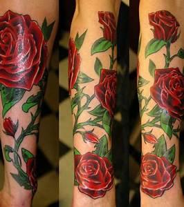 Rose En Tatouage : photo tatouages de roses rouges sur le bras ~ Farleysfitness.com Idées de Décoration