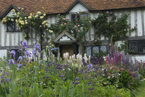 cottage garden the enduring gardener