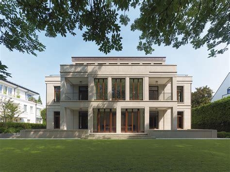 Klassiches Steinhaus  Moderne Einfamilienhäuser