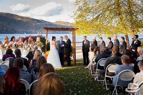 laura bretts lake morey resort wedding