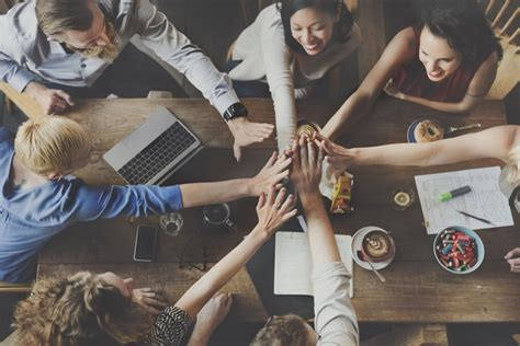 ways employee incentives  drive engagement  retention