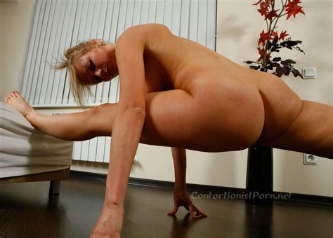Contortionist Porn Videos And Pictures With Nude Flexible