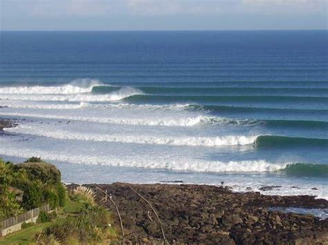 Surfing Raglan Photo