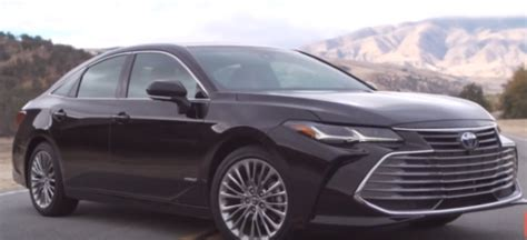 toyota avalon limited hybrid explained video dpccars