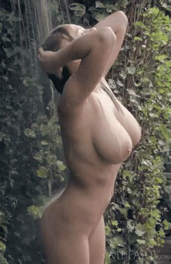 Viola Bailey Wet Pornstar Opening Nude Natural C Size