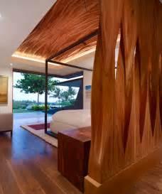 amazing eco friendly home  infinity pool modern