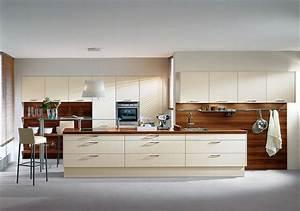 Rückwand Küche Acryl : inselk che und ger tehochschr nke in magnolie regale arbeitsplatte und r ckwand in holzdesign ~ Sanjose-hotels-ca.com Haus und Dekorationen