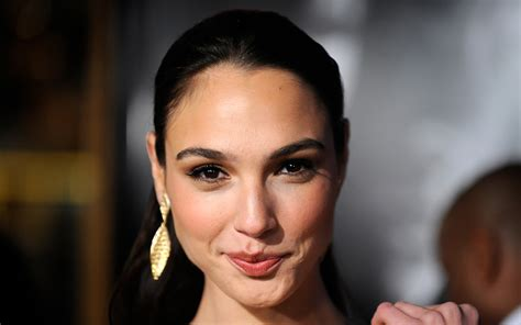 43 Gal Gadot Cutest Moments That Will Make You Say Aww