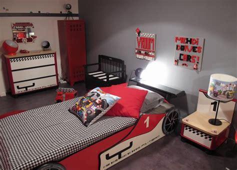 decoration chambre garcon cars idee deco chambre garcon theme voiture visuel 2