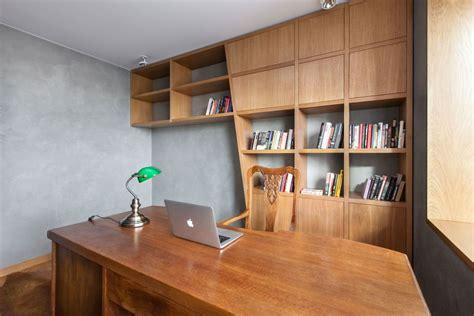 appartement bureau appartement met een combinatie hout en grijs