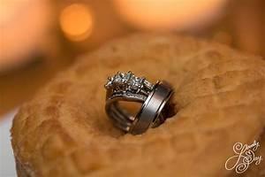 wedding rings in a paula39s donut hahahahahah ahhhhh With paula deen wedding ring
