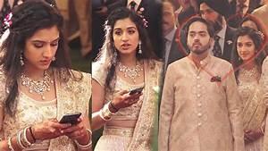 Beautiful Radhika Merchant Choti Bahu Of @Ambani's Family ...
