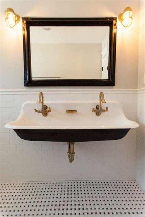 choisissez  joli lavabo retro pour votre salle de bain