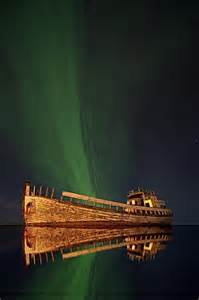 Pictures of Ships and the Northern Lights
