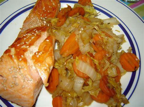 cuisiner un choux chinois wok de légumes et saumon grillé au sésame un peu de rêve