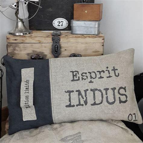nettoyer canapé tissus 17 meilleures idées à propos de housses de canapé sur