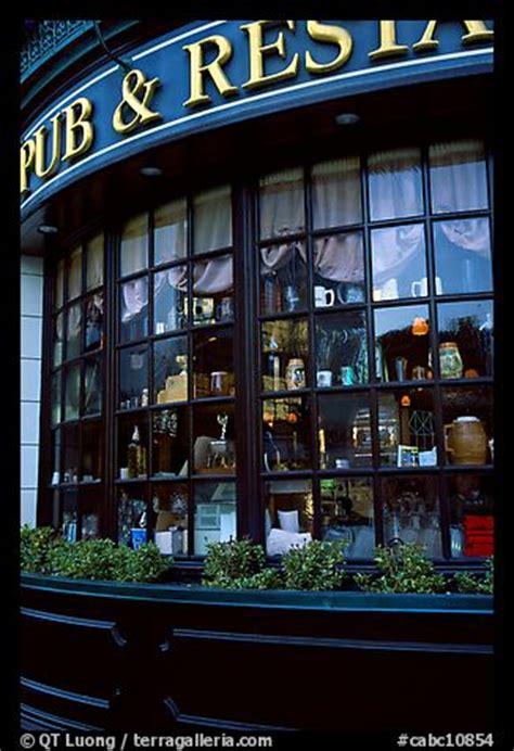 picturephoto pub  restaurant windows victoria