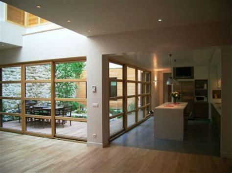 maison contemporaine avec patio interieur maison loft en bois 224 journal du loft
