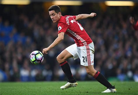 Ander Herrera Wants New Manchester United Contract But