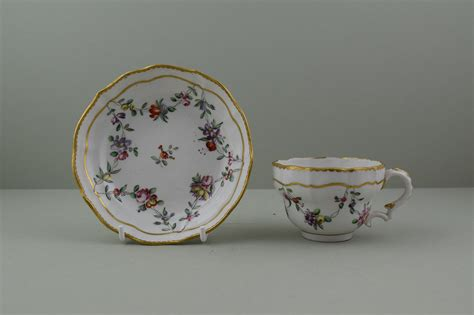 bristol porcelain hand painted flower swags pattern teacup