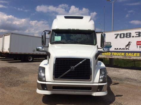 volvo fuel trucks lube trucks  sale  trucks