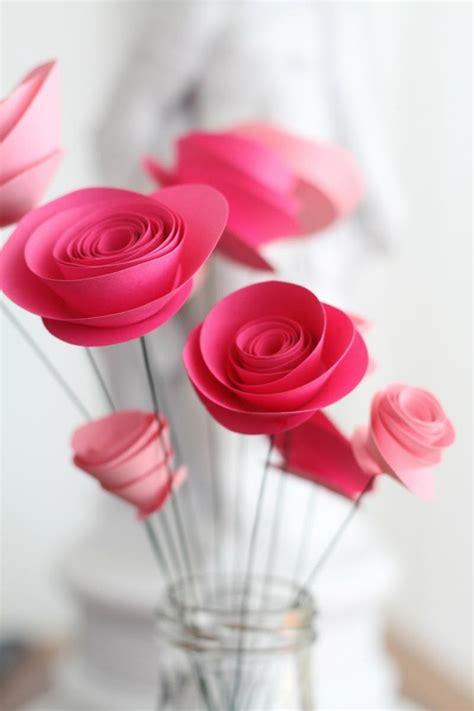 aus papierröllchen 1001 ideen wie sie papierblumen basteln k 246 nnen