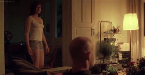Naked Maja Schöne In Blochin Die Lebenden Und Die Toten