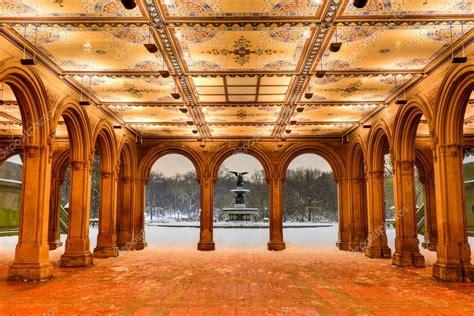 Терраса Bethesda ночью, Центральный парк — Стоковое фото ...