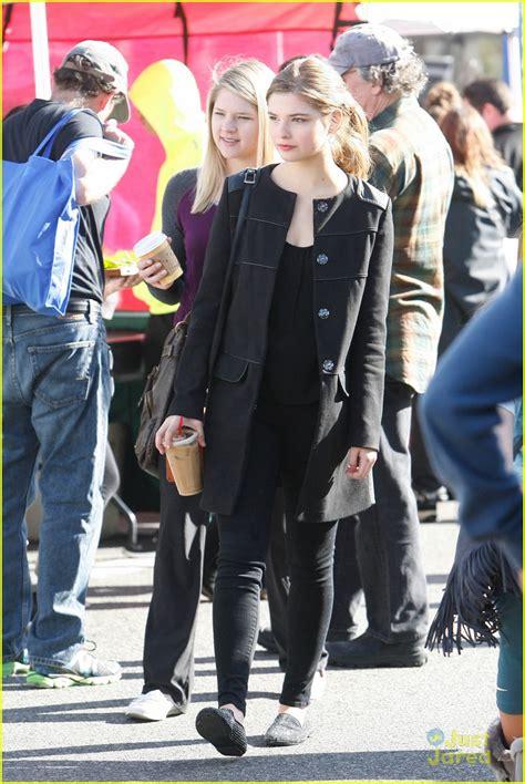 Stefanie Scott Gets 'Caught' By Anna Camp In New Movie ...